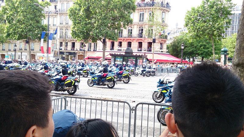 オートバイ隊